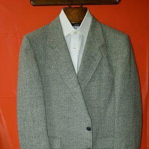 Givenchy tweed sport coat 44R soft cashmere blend
